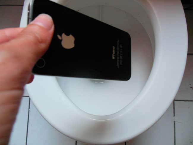 iPhone en el váter