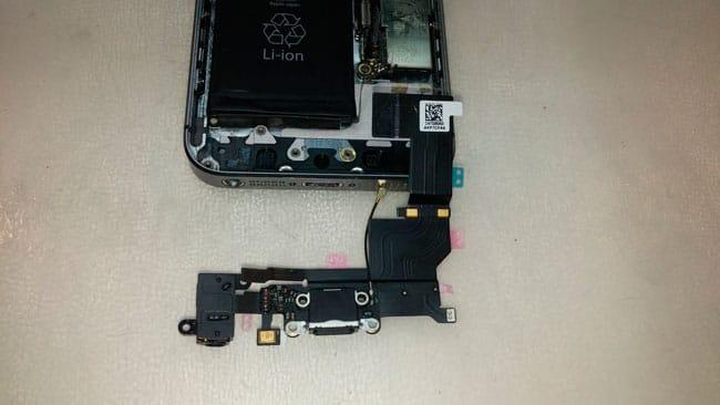Nuevo conector de carga de iPhone 5s