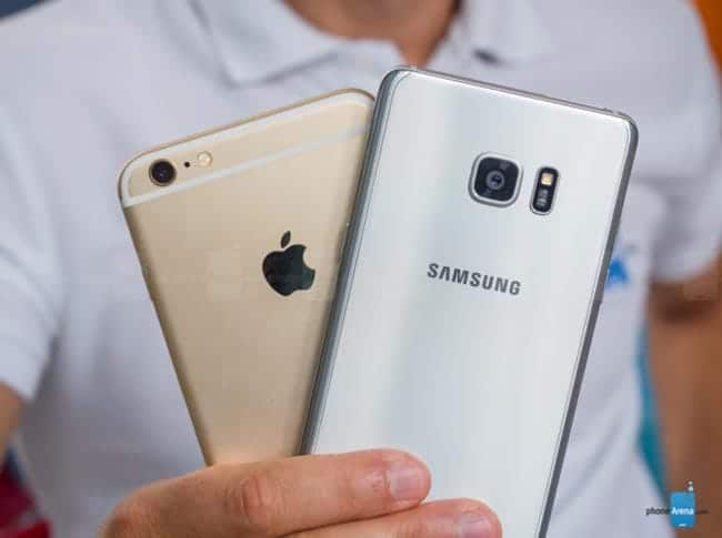 Parte trasera del Note 7 y el iPhone 6s Plus
