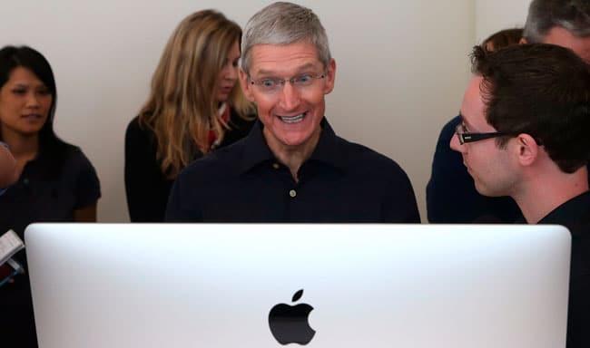 Tim Cook asegura que están invirtiendo agresivamente en la gama Mac
