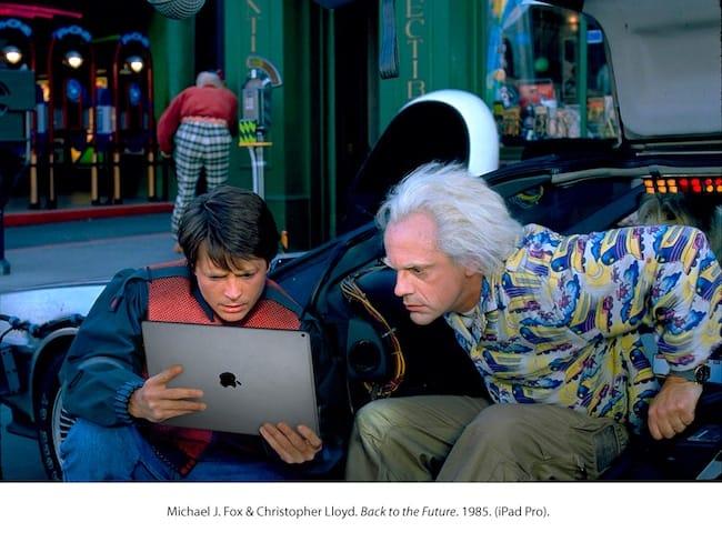 Marti y Doc con un iPad Pro
