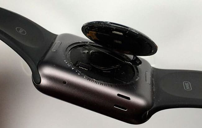 Apple Watch trasera suelta