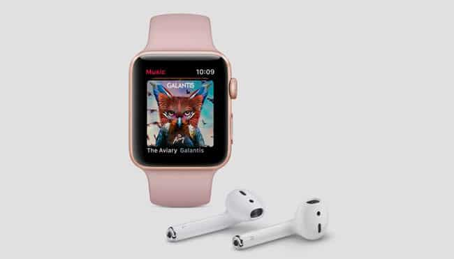 Apple Watch Series 3 con AirPods