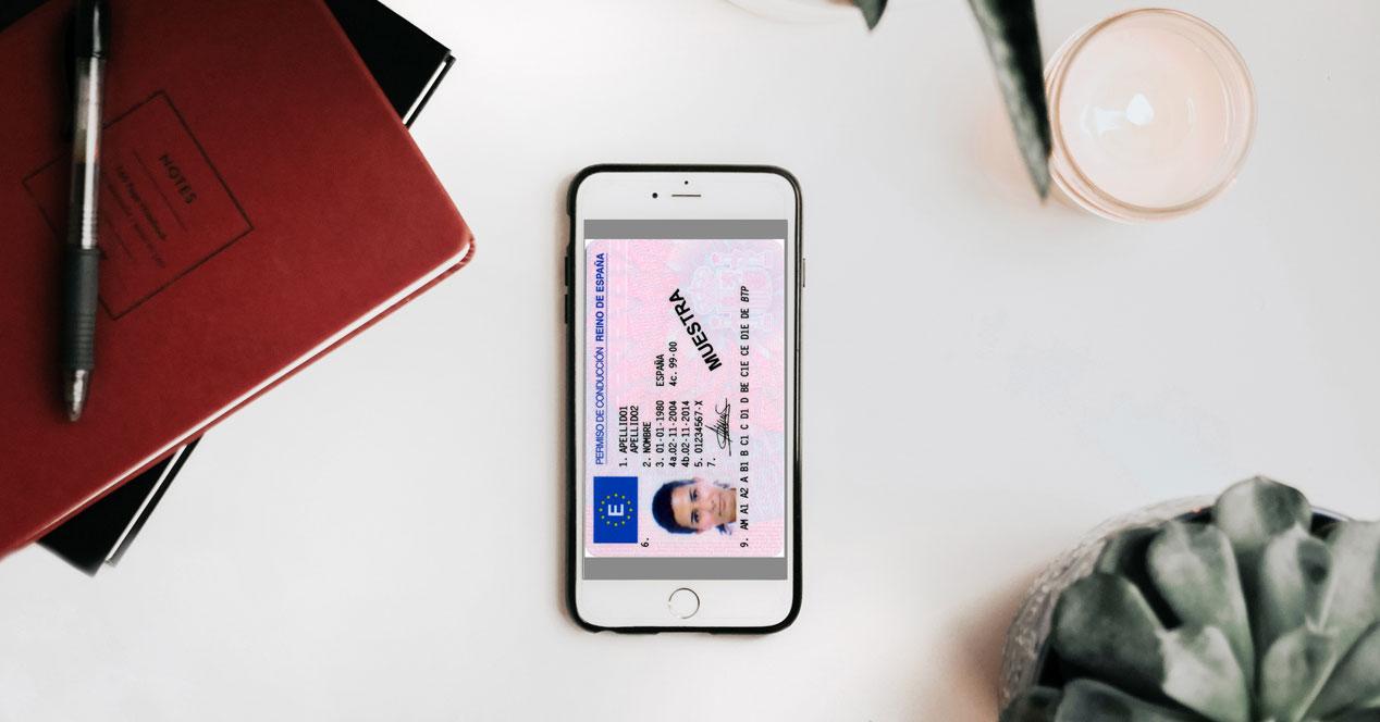Carnet de conducir en el iPhone gracias a la app de la DGT