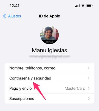 Contraseñas y Seguridad en los ajustes de iCloud de iOS